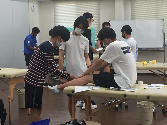 オープンキャンパス「スポーツトレーナー体験」を開催